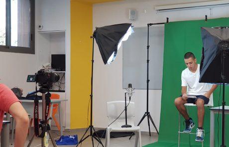 """""""הוד שאלה"""" תלמידות ותלמידים מהוד השרון בסרטון על שימוש בחומרים ממכרים"""