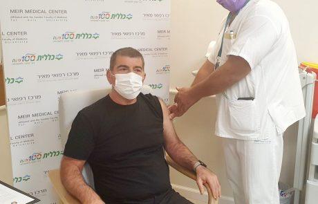 מבצע החיסונים יצא לדרך במרכז רפואי מאיר